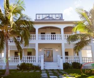 Whel-Appointed Villa